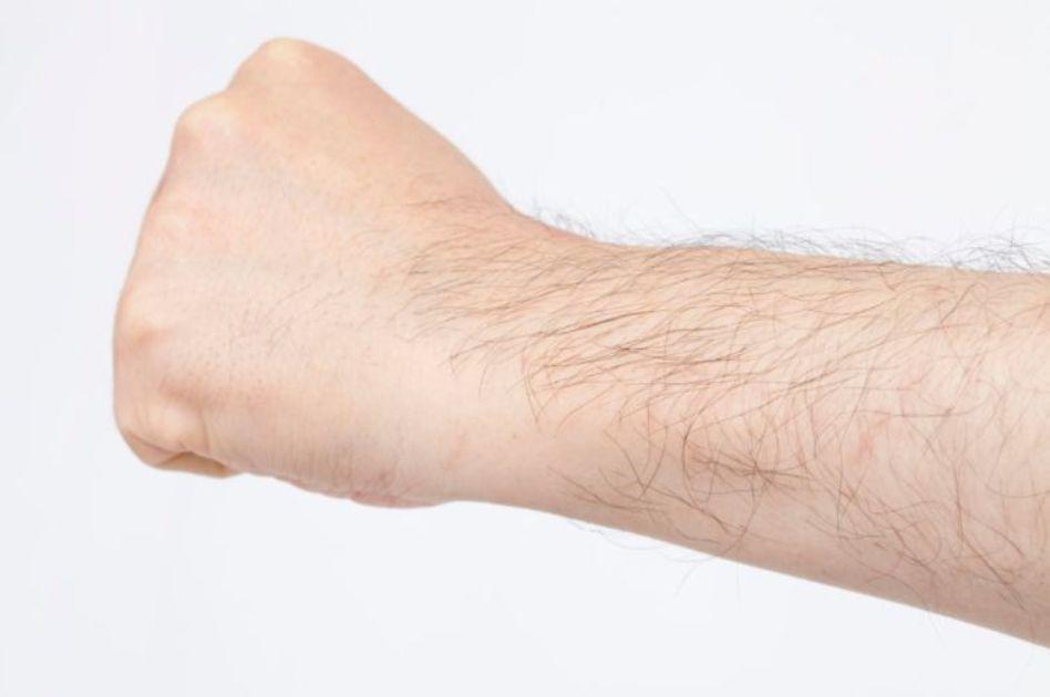 男性にも腕毛脱毛はおすすめ!メリットや施術方法 必要な回数